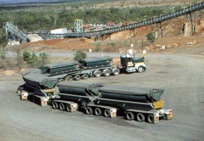 Un immense camion
