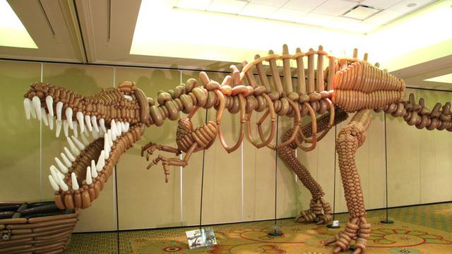 Dinosaure ballons