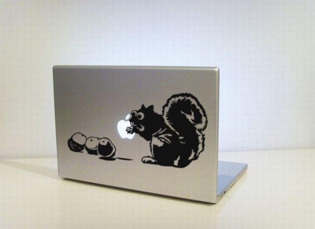et voici le Ifake... Decoration-macbook-apple