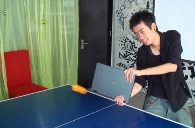 استعمالات جديدة للكمبيوتر المحمول Ping-pong