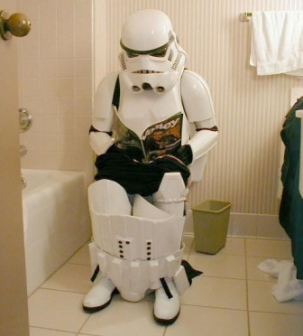 Stormtroopers - Page 2 Stormtrooper_assis_toilette